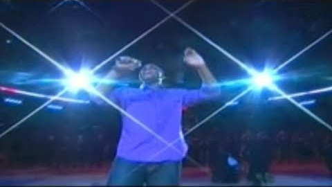 Marcellus Long performing 'The Star-Spangled Banner' live at the Staples Center.